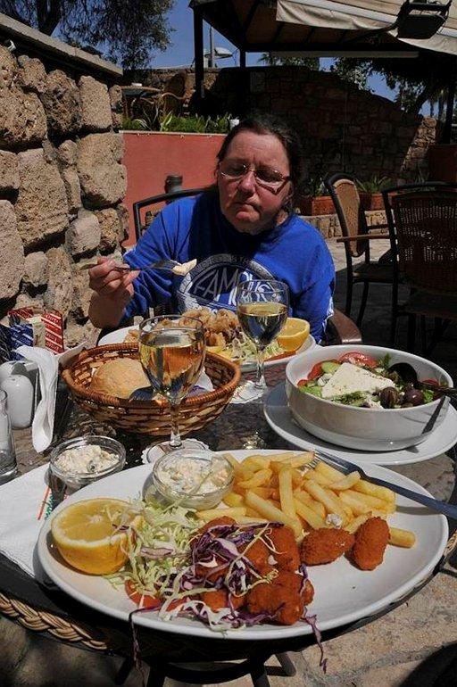 Kyproksella on helppo löytää maittavaa ruokaa.