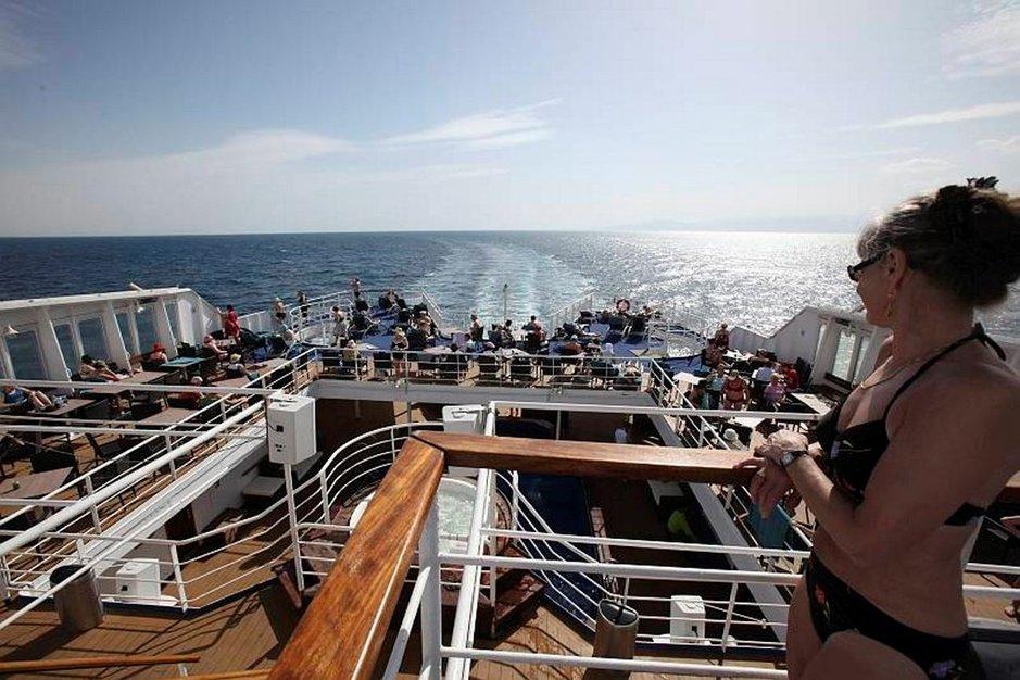 Pako Egyptistä Suezin kanavaa Välimerelle. Kovin usein ei matkustajalaivat pääse Suezille.