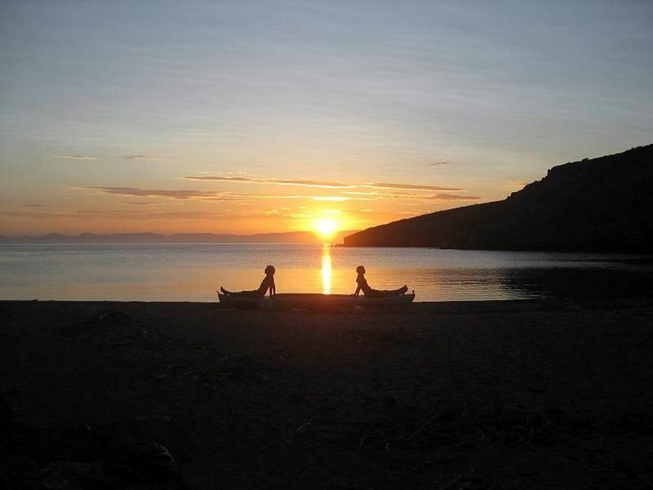Mennessä voi ihailla auringonlaskuja ja toista puolta palatessa taas herätä auringon noustessa.