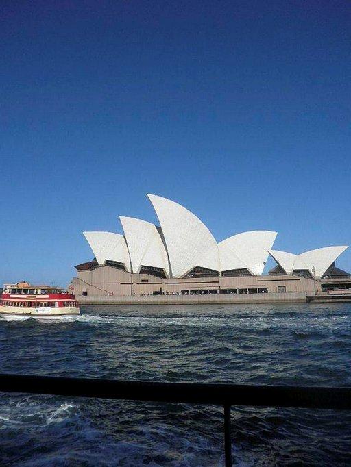 Sydneyn oopperatalo mereltä.
