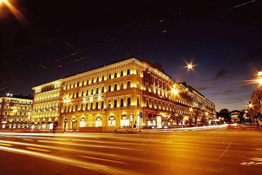Grand Hotel Europe on monelle suomalaiselle tuttu neuvostoajan Europeiskaja.