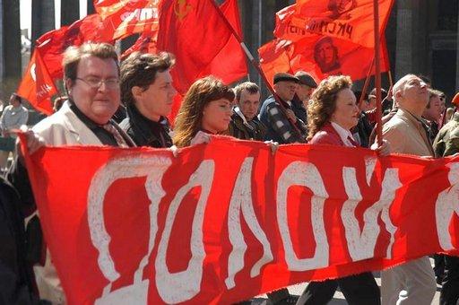 Vappuna marssitaan Pietarissa edelleen niin kuin tehtiin neuvostoaikoinakin.
