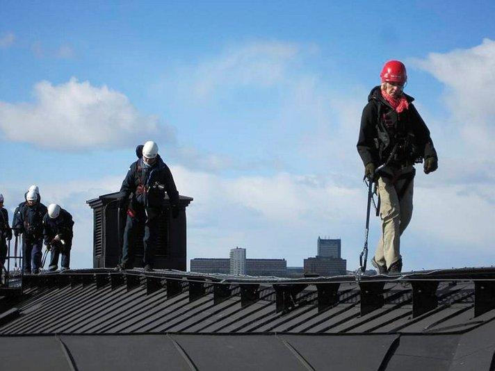 TUKHOLMAN KATOLLA: Erikoinen<br /> matka pääkaupungin katoille ei pelota Helsinki
