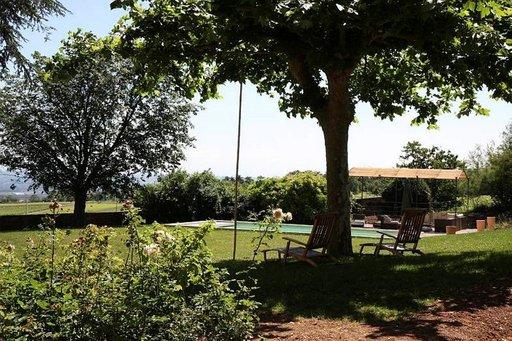 Domaine du Mont Verrier sijaitsee St. Julien kylässä, 28 kilometriä Lyonista luoteeseen.