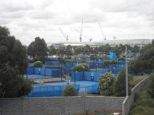 Melbourne valmistautuu Australian avoimeen tennisturnaukseen.