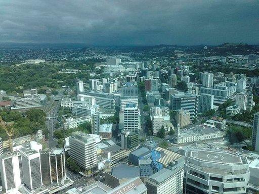 Aucklandin näkymät Skytowerista katsottuina.
