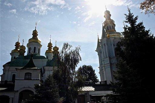 Kirkkoja Pecherska Lavran alueella.