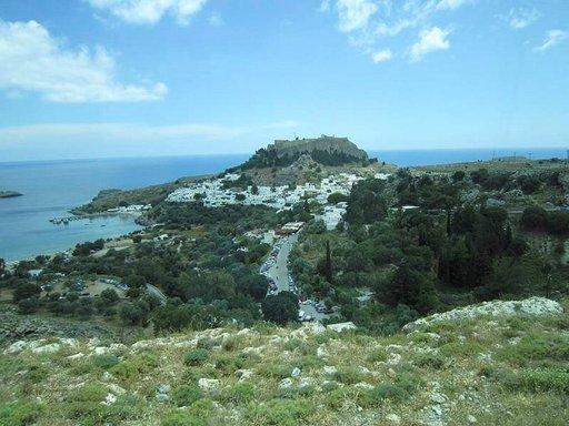 Lindos on yksi Rodoksen kauneimpia paikkoja ja samalla suosittu käyntipaikka.