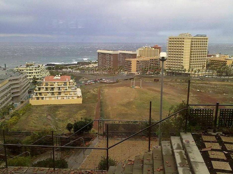 Myrskyn jälkeen Teneriffalla marraskuussa 2010.