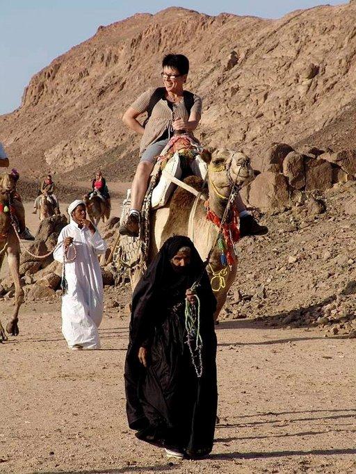 Kamelilla ratsastus kuuluu Egyptin-matkan kohokohtiin.