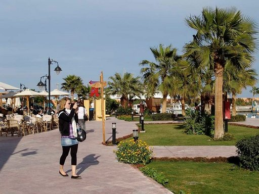 Hurghadan vehreät alueet ovat vastapainoa kuivuudelle.