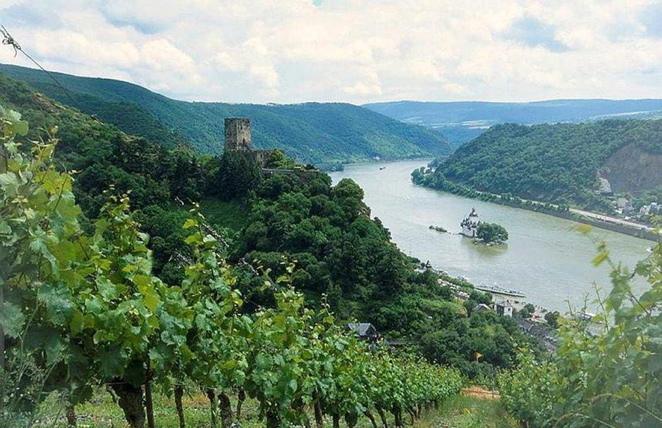 Romanttinen Rein parhaimmillaan: Pfalzgrafenstein ja Gutenfelsin linna.