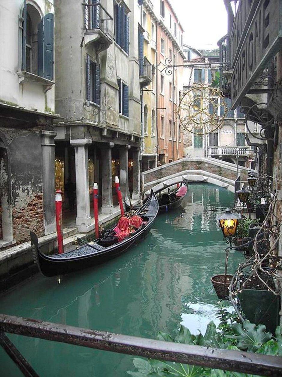 Venetsia on täynnä kuvauksellisia yksityiskohtia.