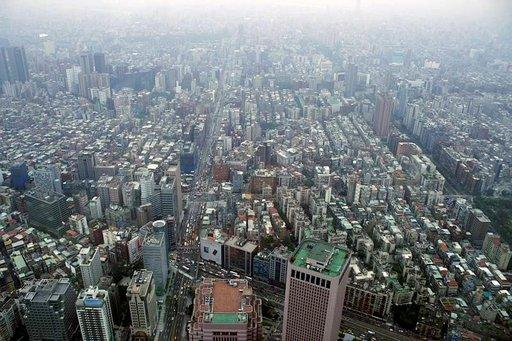Taipei lintuperspektiivistä, Taipei 101:n näköalatasanteelta, katsottuna.