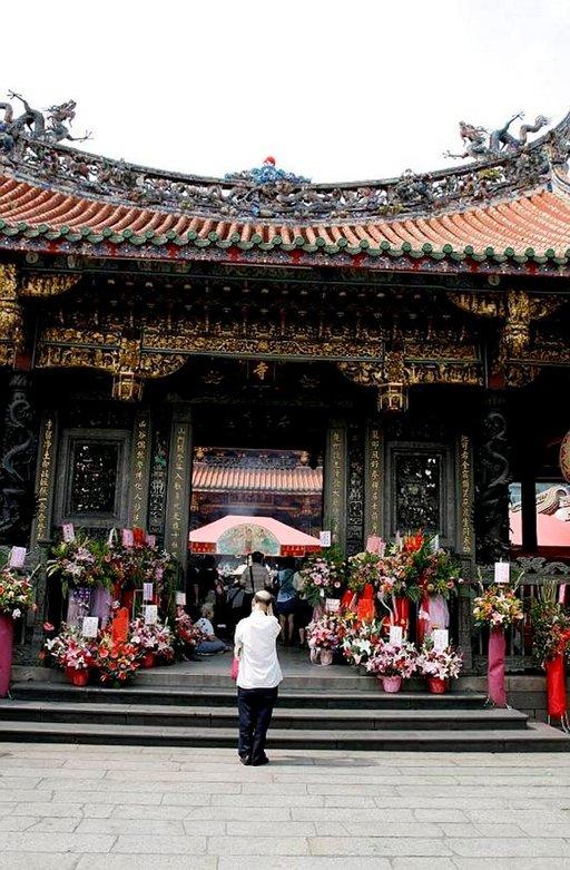 Lungshanin temppeli on yksi suosituimmista temppeleistä.