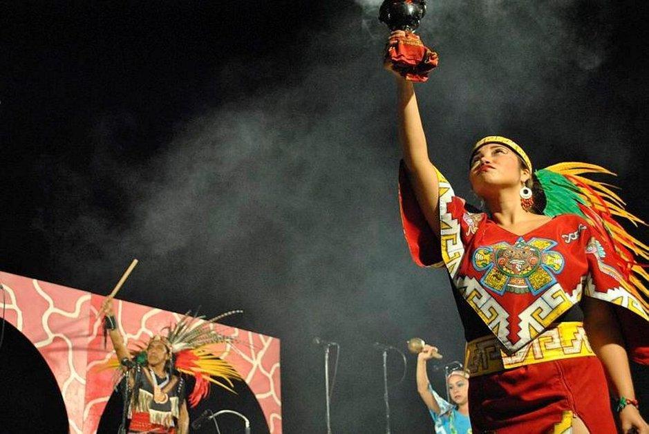 Useissa hotelleissa järjestetään viikoittain meksikolainen ilta, jolloin ihastellaan alkuperäiskansojen vanhoja tansseja ja musiikkia.