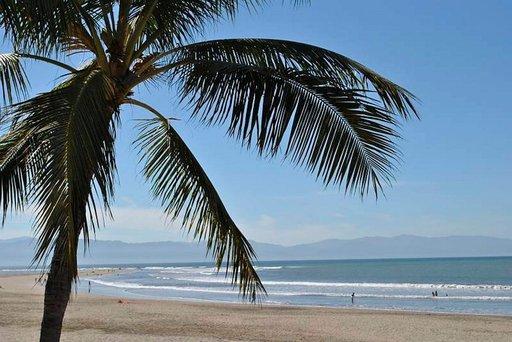 Monet Meksikon paratiisirannat täyttyvät päivittäin matkailijoista, mutta paikallisilta ihmisiltä pääsy rannoille on kielletty.
