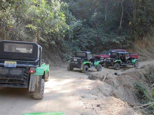 Jeeppiralli Sierra Madren vuorenrinteillä on huikea kokemus.