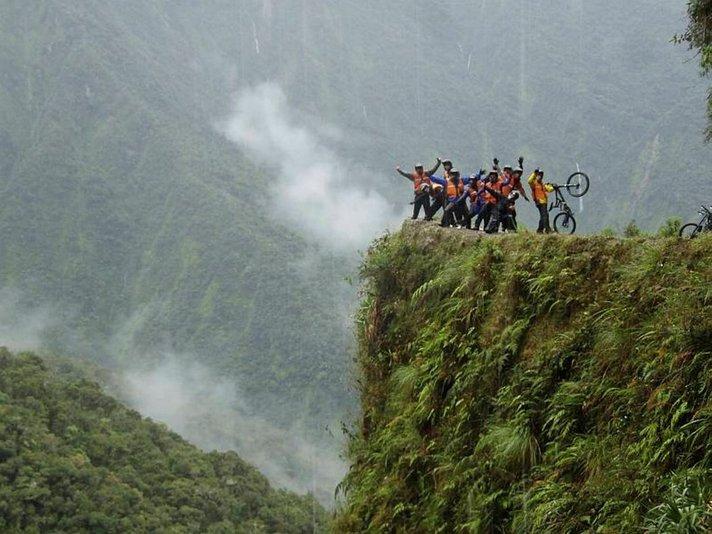 Rämäpäät maailman<br /> vaarallisimmalla tiellä