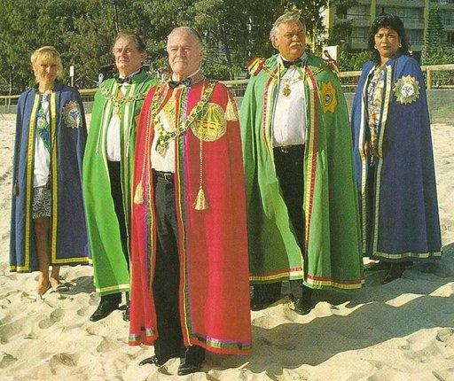 Hutt River Provincen kuninkaalliset itsenäisyyspäivää juhlistamassa.