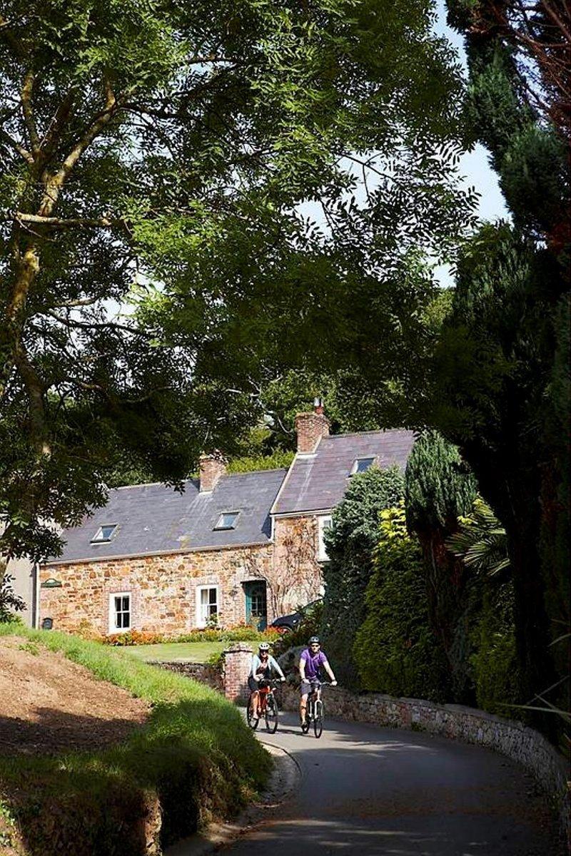 Pyöräily on saarella suosittu harrastus.