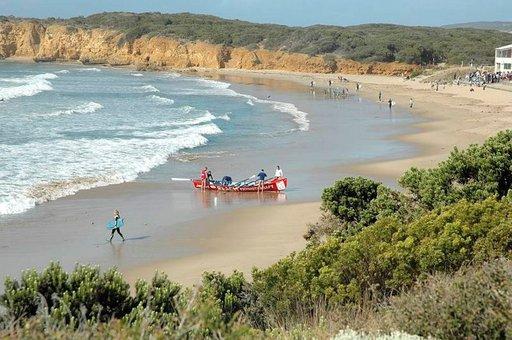 Pelastusvenetoiminta on eräs paikallisten harrastus.