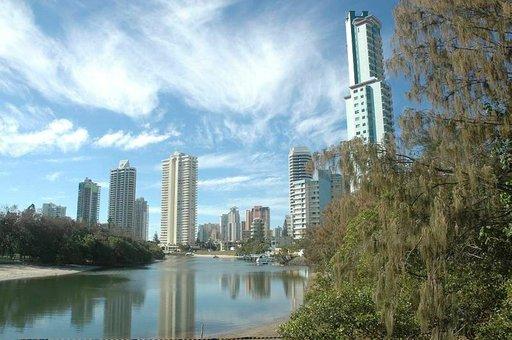 Gold Coastin modernia keskustaa. Ylimmät kerrokset ovat haluttuja näköalan vuoksi.
