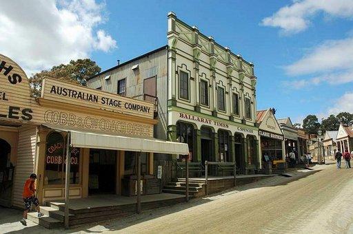 Maa vaalii perinteitään. Ballaratin museokylä on mielenkiintoinen kohde.