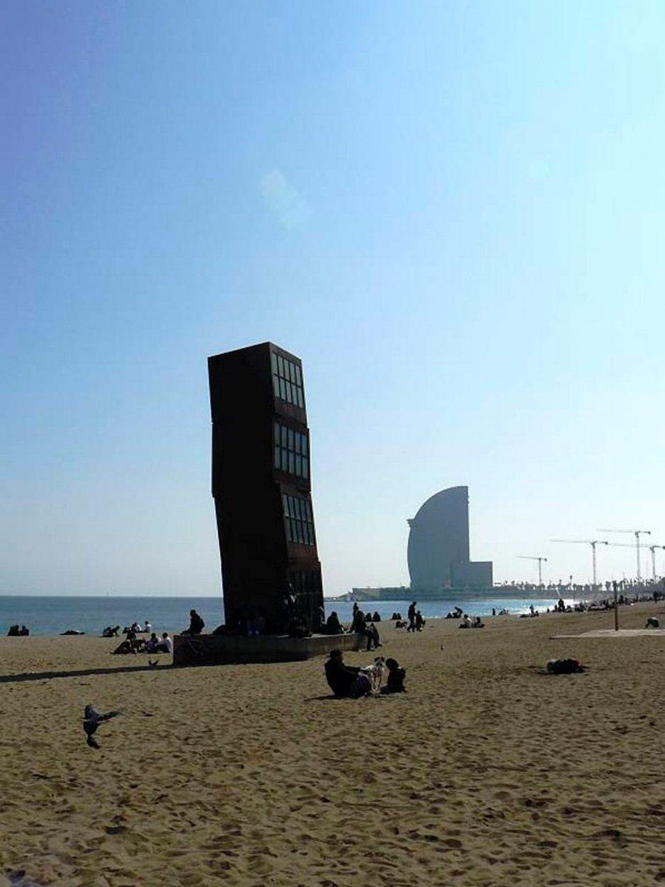 Barcelonassa voi yhdistää ranta- ja kaupunkiloman.