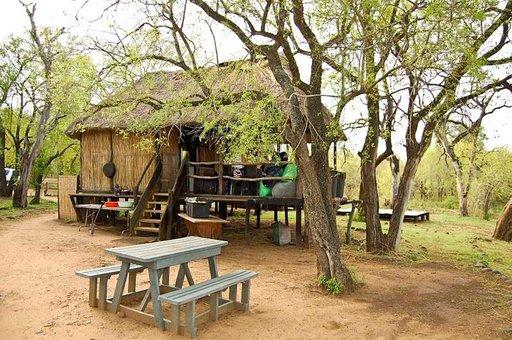 Kansallispuistovisiiteillä asumukset ovat yksinkertaisia, mutta hyvin hoidettuja.