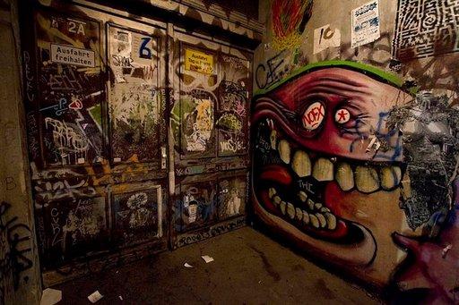 Kreuzberg on nykyään yksi Berliinin kulttuurin keskuksia, ja alakulttuurit ja graffitit näkyvät kaduilla.