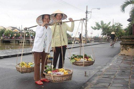 Hoi Anin pikkukaupungin rentoa ilmapiiriä eivät matkailijajoukot ole vielä turmelleet.
