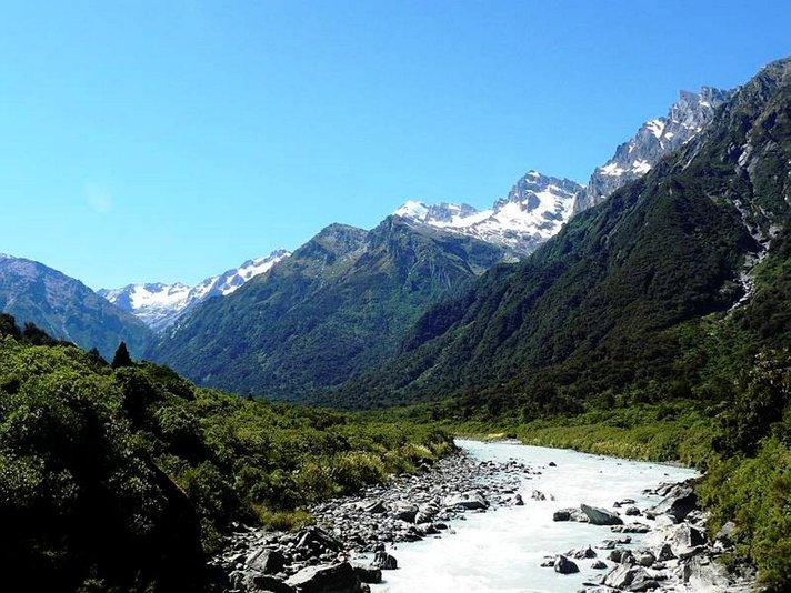 Pilvien yläpuolella maailman<br /> äärissä Uusi-Seelanti