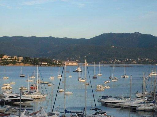 Ajaccion sydän on Välimeren tapaan kaupungin satama.