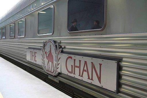 The Ghan- junalla on mittaa yli 700 metriä.