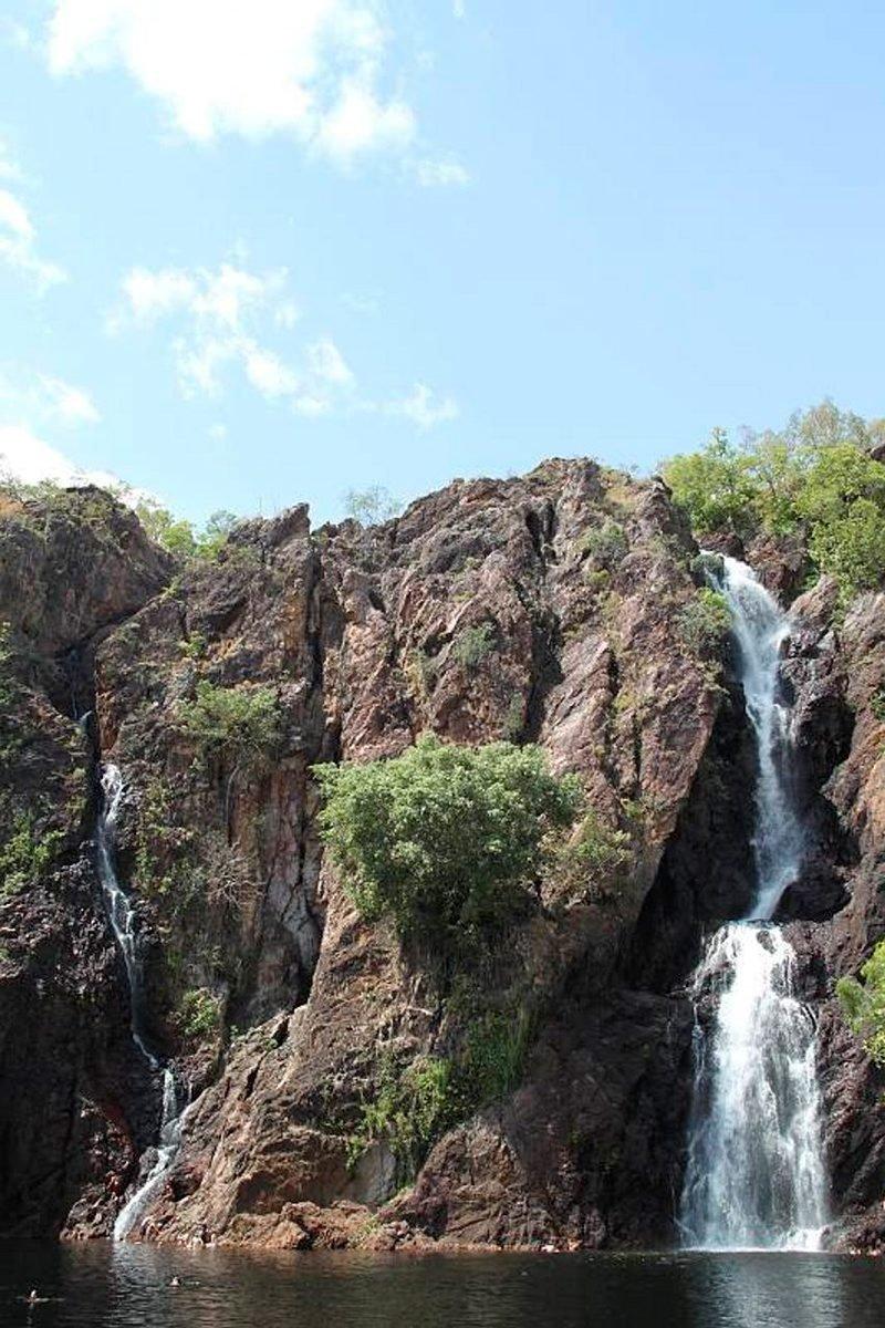 Wangi Falls -vesiputous sijaitsee Litchfieldin kansallispuistossa pohjoisterritoriossa.
