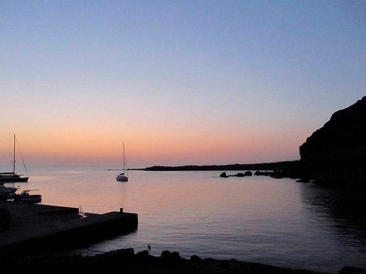Vapaaehtoismatkaillen ja kilpikonnia<br /> auttaen Italian Linosan saarella