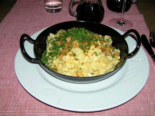 Käsespätzle on tirolilaista hyvää ja täyttävää ruokaa.