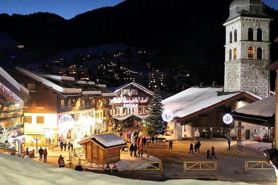 La Clusaz hurmaa perinteisellä alppitunnelmallaan.