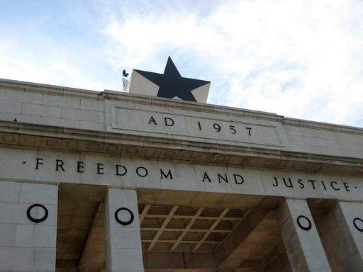 Vapaus ja oikeudenmukaisuus on Ghanan motto.