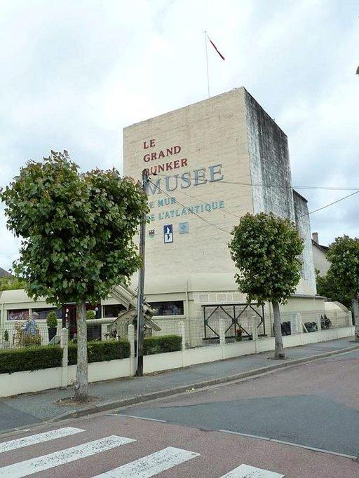 Atlantin vallin museo eli Musée du Mur de l'Atlantique ei sovellu lapsiperheille eikä liikuntarajoitteisille.