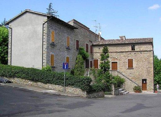 Villa Carpena oli Mussolinin siviiliasunto, jossa toimii nyt museo La Casa dei Ricordi.