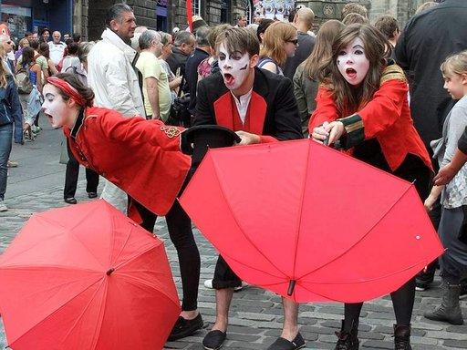 Fringe-festivaali kerää mitä erikoisempia esiintyjiä.
