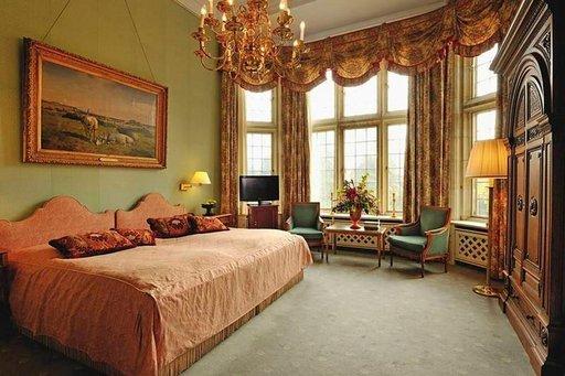 Kaikki hotellihuoneet ovat keskenään erilaisia, mutta niistä löytyy tilaa vaativallekin hotellivieraalle.