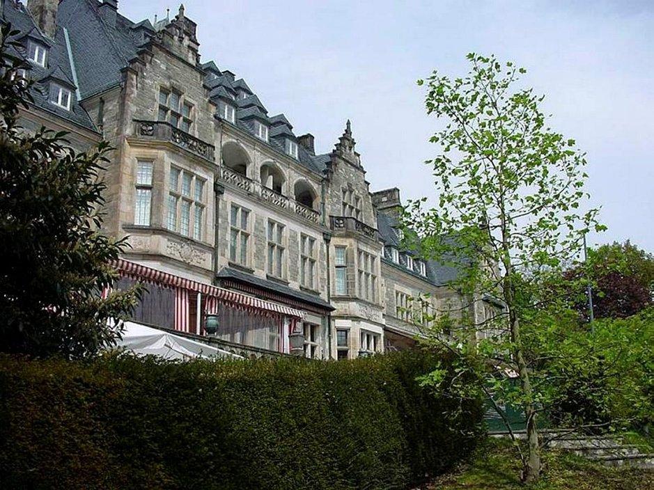 Kronbergin keisarillinen linna edustaa 1800-luvun jälkipuoliskon keskieurooppalaista linnanrakennustyyliä.