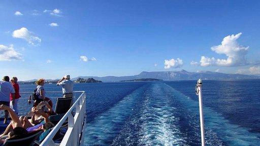 Kuusi satamaa<br /> Välimerellä