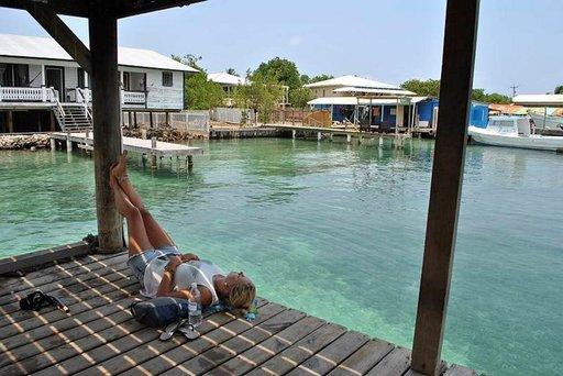 Utilan saarella Karibian rento elämäntyyli tarttuu matkailijoihin.