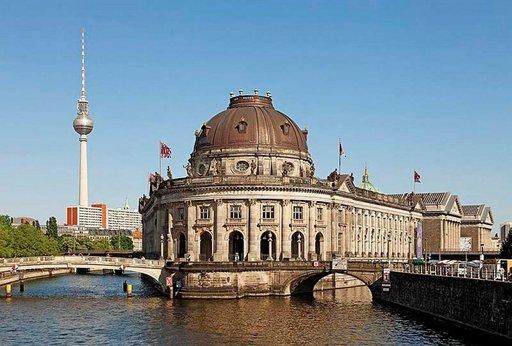 Museumsinselnin museot sisältävät suuren määrän Saksan merkittävimpiä taideteoksia.
