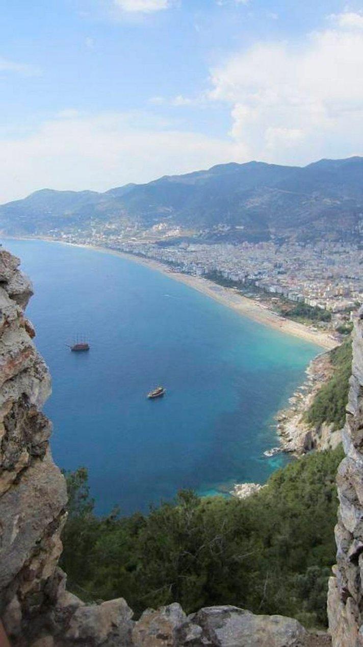 Poikkeustila Turkissa - matkaoppaat<br /> vastaavat t&auml;n&auml;&auml;n Facebookissa Alanyasta