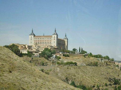 Kaarle V teki Alcázarista kuninkaanlinnan 1500-luvulla.